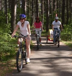 Family biking in Vilas County