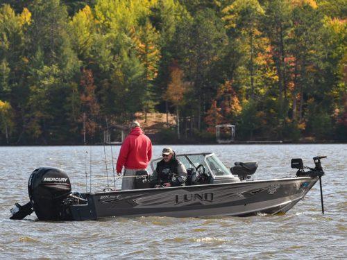 Pontoon Boating On Eagler River Chain