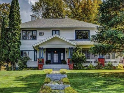 OLD WORLD CHARM BED & BREAKFAST