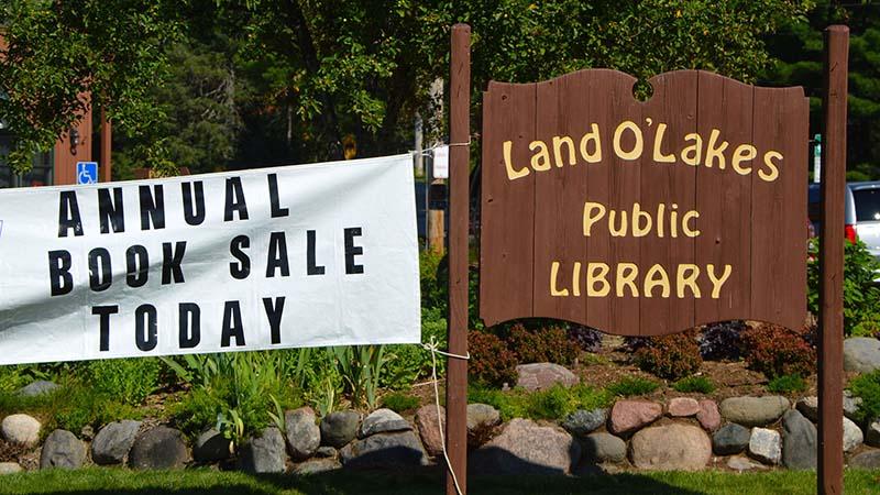 Landolakes Library Book Sale
